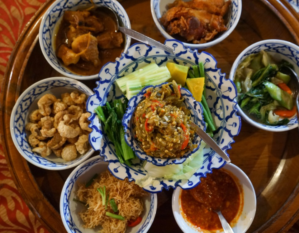 Khan Tok Dinner